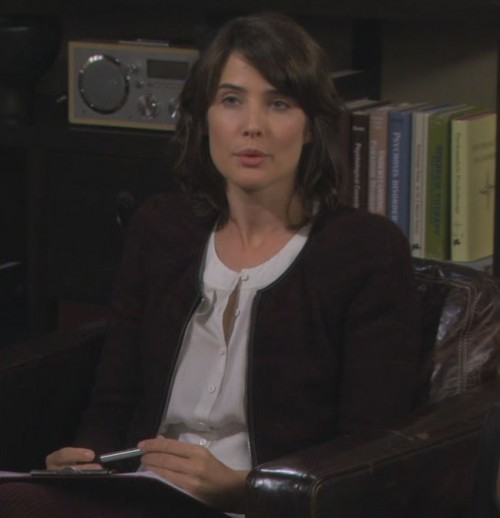 Robin's burgundy jacket on How I met your mother