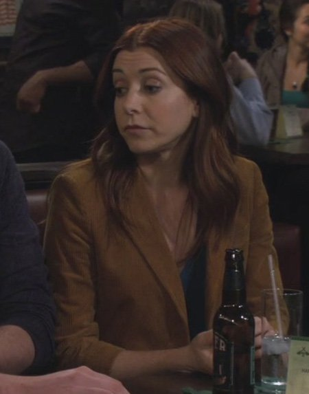 Lily's mustard yellow blazer on How I met your mother