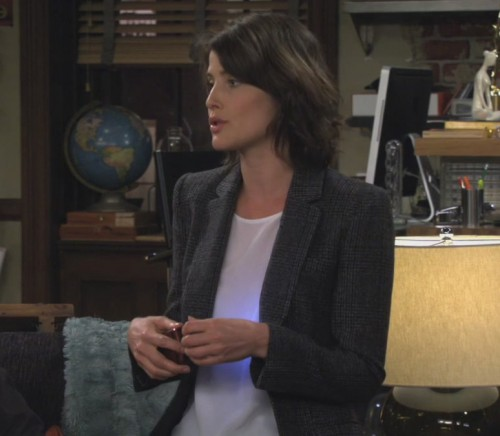 Robins tweed blazer on How I met your mother