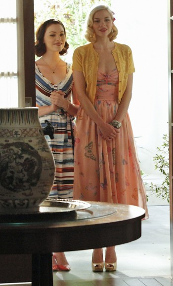 Lemon's peach butterfly print dress with yellow cardigan on Hart of Dixie