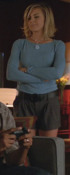 Jane's check shorts and blue sweater on Happy Endings