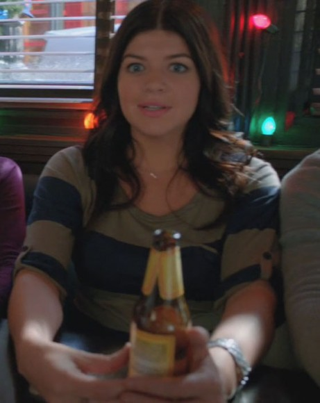 Penny's striped top on Happy Endings