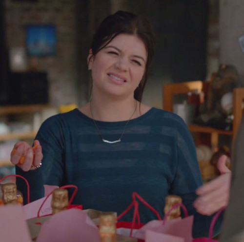 Penny's blue striped top on Happy Endings