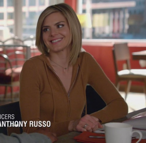 Jane's brown hoodie on Happy Endings