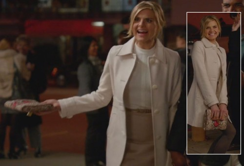 Jane's white coat and snakeskin clutch on Happy Endings