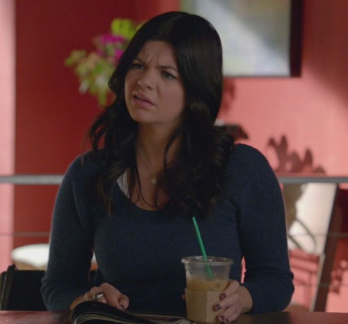 Penny's blue long sleeve top on Happy Endings