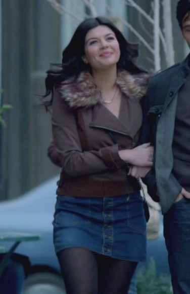Penny's jacket with fur collar and denim skirt on Happy Endings