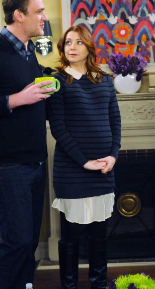 Lily's maternity sweater on HIMYM