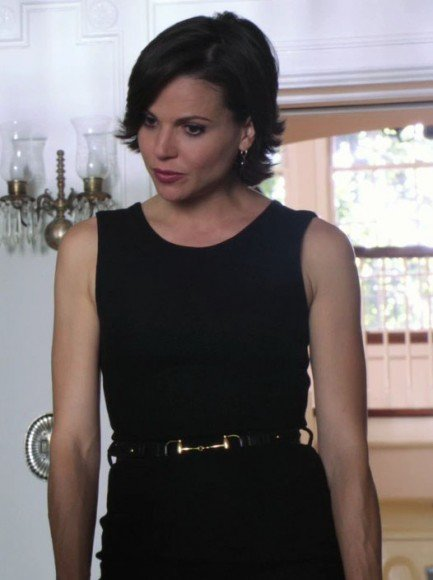 Regina's gold link belt on Once Upon A Time