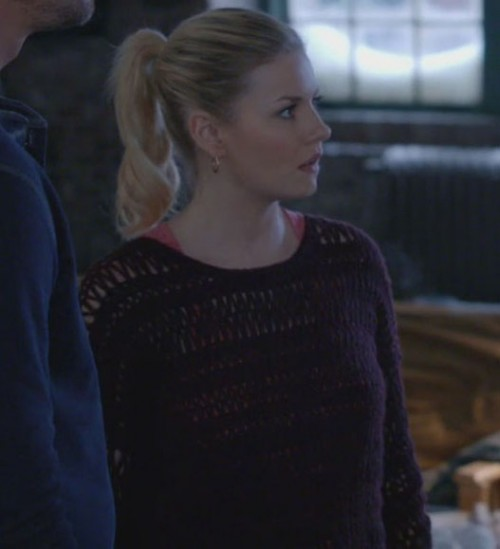 Alex's purple knit sweater on Happy Endings