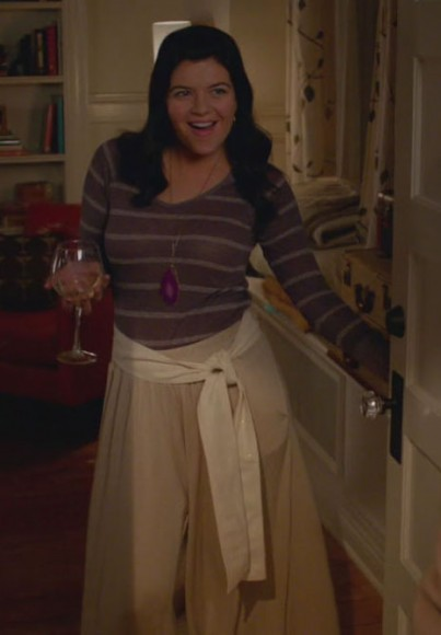 Penny's pink rock necklace on Happy Endings