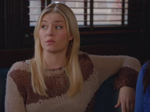 Alex's brown knit sweater on Happy Endings