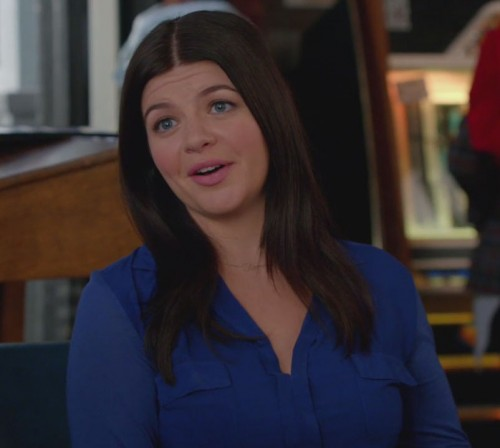 Penny's blue shirt on Happy Endings