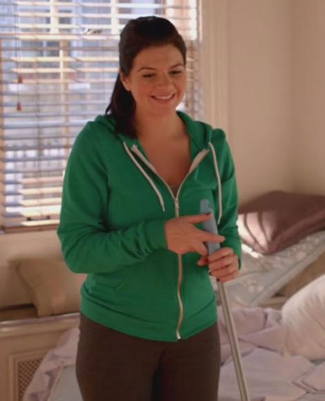 Penny's green hoodie on Happy Endings