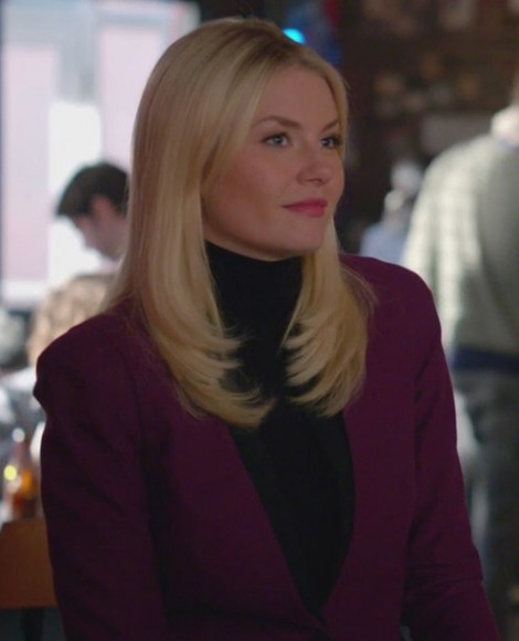 Alex's magenta/purple blazer on Happy Endings