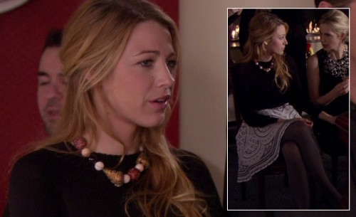 Serena's white circle patterned skirt with grey tights and shell necklace on Gossip Girl
