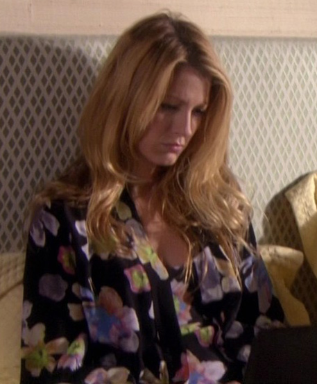 Serena's black floral pajamas on Gossip Girl