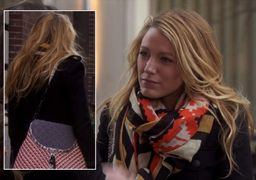 Serena's orange geo print scarf and red woven handbag on Gossip Girl