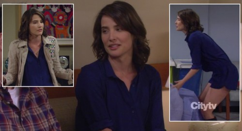 Robin's blue playsuit/romper on HIMYM