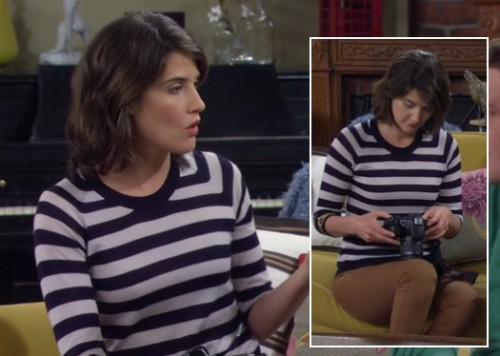 Robin's navy striped top with tan brown jeans on How I Met Your Mother
