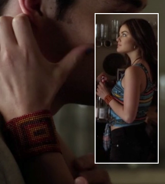 Aria's blue aztec print tie front top, black denim shorts and red bead bracelet on Pretty Little Liars