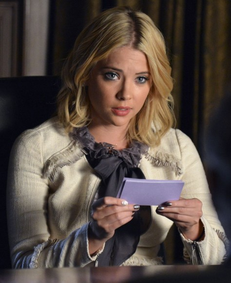 Hanna's cream tweed jacket on Pretty Little Liars