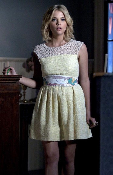 Hanna's yellow crochet dress on PLL