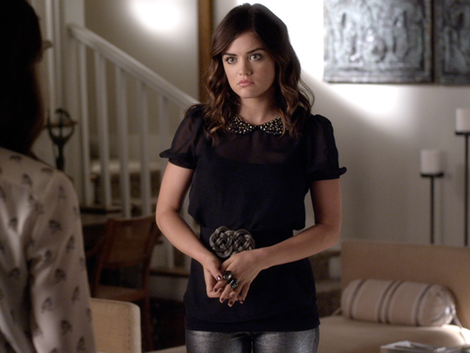 Aria's black peter pan collar top on Pretty Little Liars