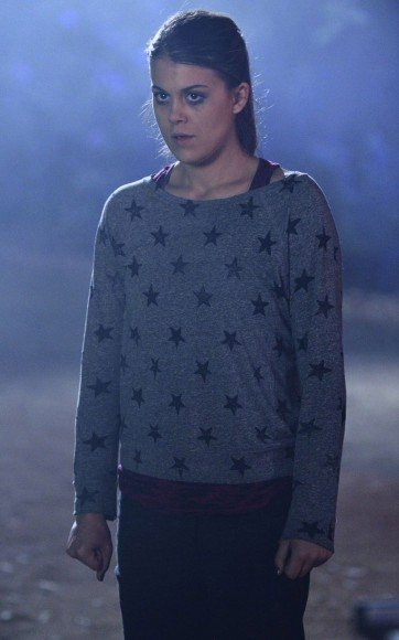 Paige's gray star print sweater on PLL
