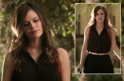 Zoe's black top with red beads, black pleated skirt and gold belt on Hart of Dixie season 2