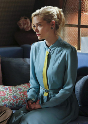 Lemon's blue dress with yellow panel on Hart of Dixie