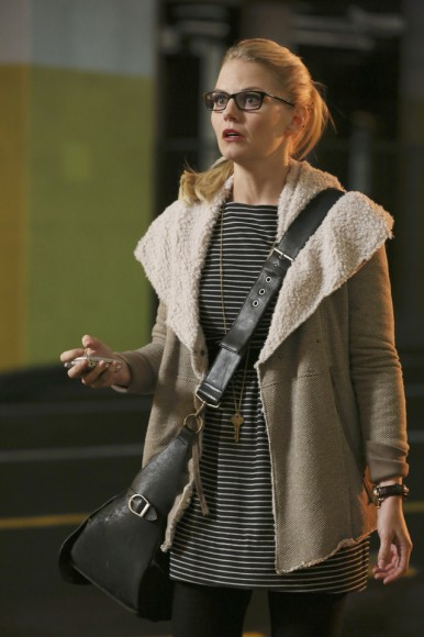 Jennifer Morrison's wool coat on Once upon a time