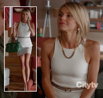 Jane's green bag and white peplum top on Happy Endings season 3