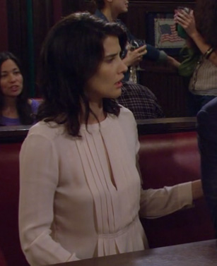Robin's blush pleat front top with split on How I Met Your Mother