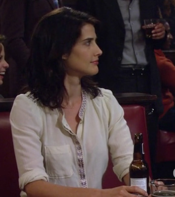 Robin's white button front shirt with trim detail on How I Met Your Mother