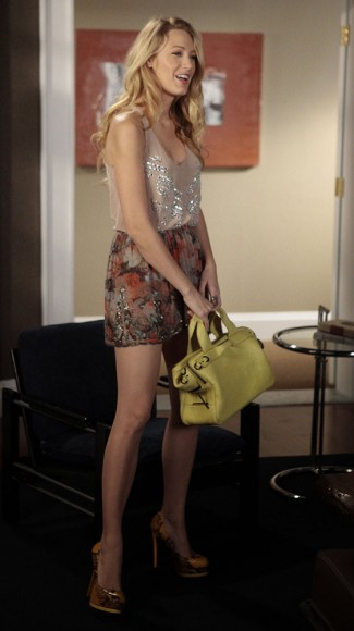 Serena van der Woodsen's yellow bag and sequin skirt/top on Gossip Girl