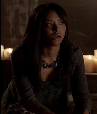 Bonnie's green crochet top and gold/turquoise necklace on The Vampire Diaries