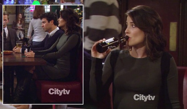 Robin's green and black long dress on HIMYM Season 8
