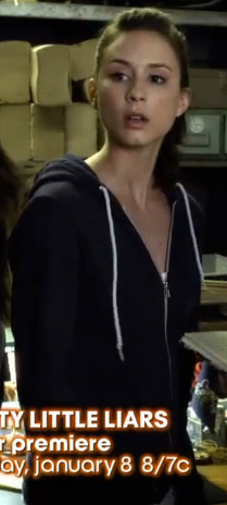 Spencer's navy blue hoodie sweater on PLL season 3