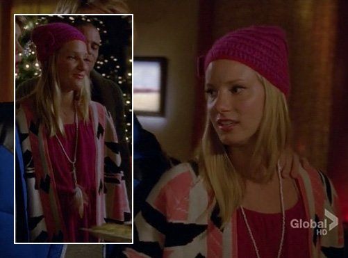 Brittanys pink bow beanie on Glee