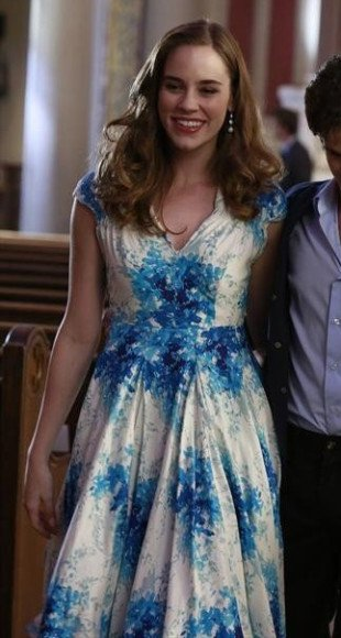 Charlottes blue and white dress at the christening on Revenge