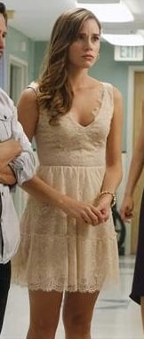 Charlotte's white lace v-neck dress on Revenge