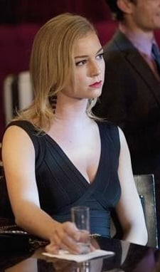 Emily's black bandage mini dress on Revenge