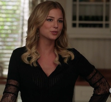 Emily's black blouse with lace sleeves on Revenge