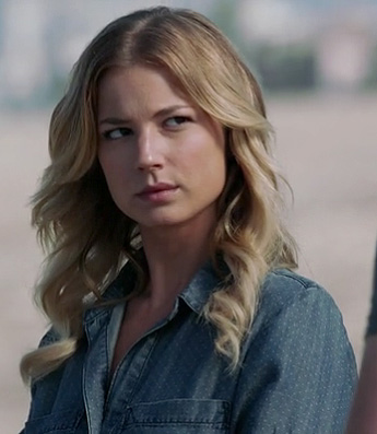 Emily's blue denim shirt with small polka dots on Revenge