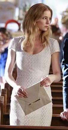 Emily's white crochet lace dress on Revenge