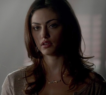 Haley's branch necklace on Vampire Diaries
