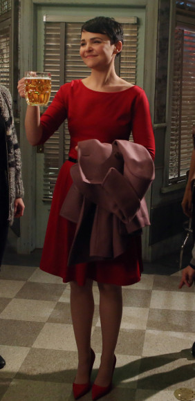 Mary's red dress on Once Upon a Time