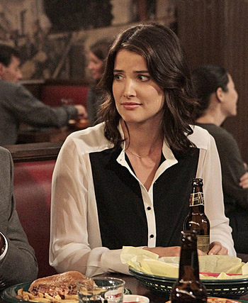 Robin's black and white shirt on How I Met Your Mother