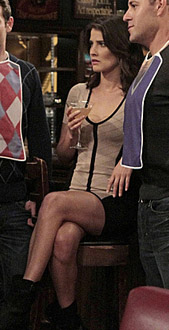Robin's creame dress with black trim and stripe on HIMYM Season 8